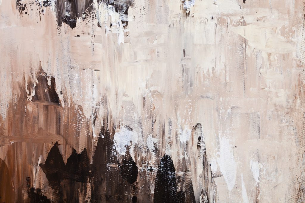 Decorative wall paint with brown and beige shades