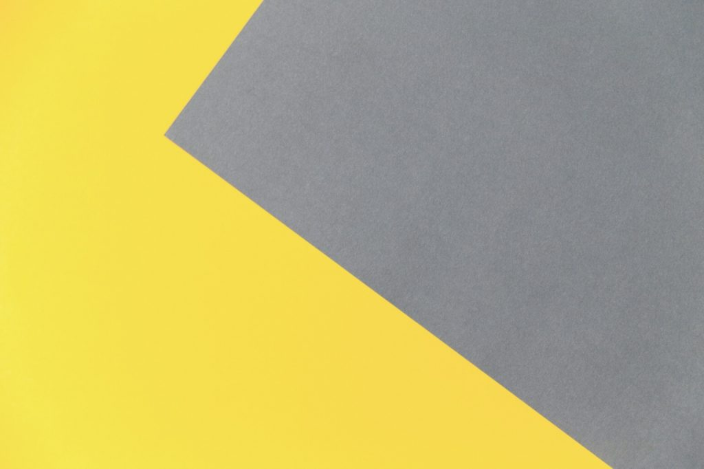 Illustration showing the contrast between the colors Ultimate Gray and Illuminating yellow