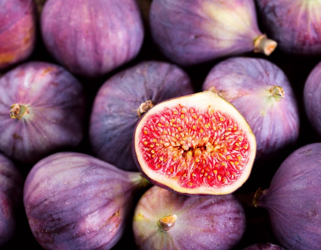 Closeup of a pile of fresh figs