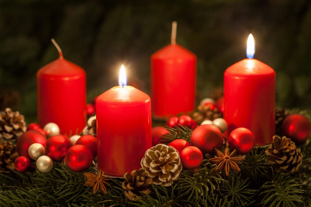 Green Advent wreath with red candles