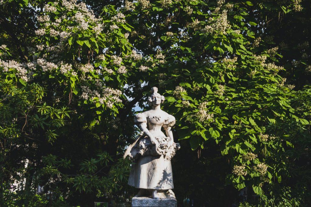 La Grisette statue at Jules Ferry square in Paris, France